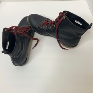 Dirty Laundry | Black Red Laced Combat Boots 8.5